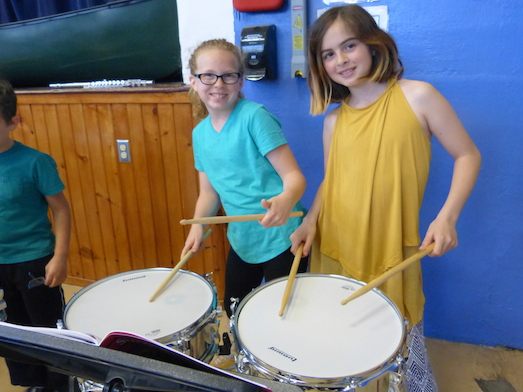 girls drumming